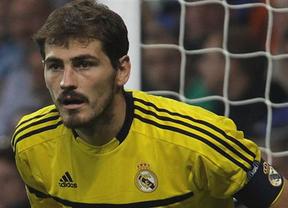 Casillas, pese a los últimos fallos, repite en 2011 como mejor portero del mundo