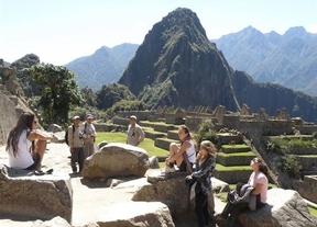 Desnudos en el Machu Picchu: una moda que termina en prisión