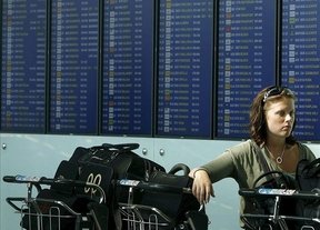 En lo que va de año 54.912 españoles han 'huido' al extranjero: un 21% más que en 2011