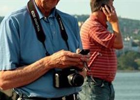Turista en busca de Wi-Fi...cuidado con los ciberdelicuentes