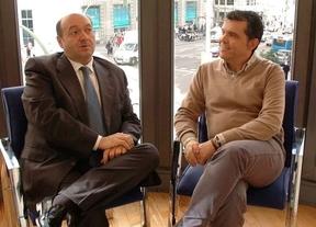 Constantino Mediavilla entrevista a Alfredo Menéndez en la Terraza de Gran Vía