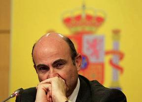 ¿De Guindos, a salvar un lunes negro?: se teme lo peor en los mercados para España
