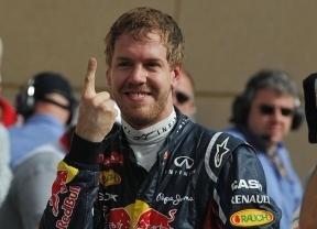 Vettel conquista la 'pole' y Alonso saldrá noveno en Bahréin