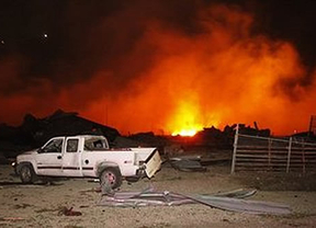 Una explosión en una fábrica de fertilizantes de Texas dispara la histeria en EEUU: hay varios fallecidos; algunas fuentes hablan de 70