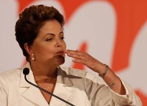 Brasil verá una segunda vuelta entre el liberal Neves y la presidenta Dilma Rousseff, que no llegó al 50%