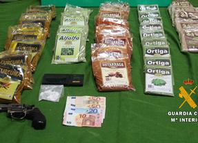 La Guardia Civil detiene a dos personas por tráfico de drogas en Valmojado