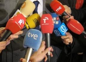 En Ciudad Real recogen firmas contra la enmienda que incluiría no titulados en el futuro Colegio de Periodistas de CLM