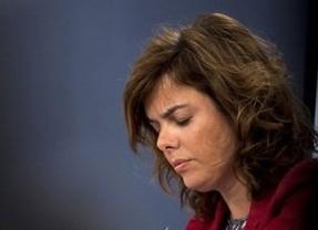 Sáenz de Santamaría liga su futuro al de Ana Mato, mientras Rajoy la blinda
