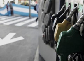 Industria declara la guerra a las petroleras para que bajen los precios de la gasolina