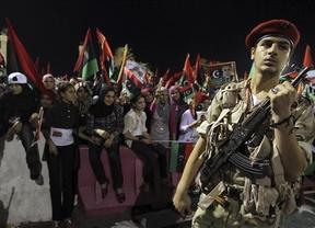 El 'clan' de Gadafi sigue 'cayendo': detienen al brazo dercho del mandatario, Abdulá al Senusi