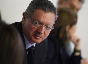 Gallardón premia a los secretarios judiciales por convertirlos en 'recaudadores' de impuestos