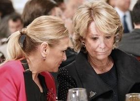 Cifuentes se dejará controlar por Rajoy en la campaña y Aguirre tira de nombres de confianza
