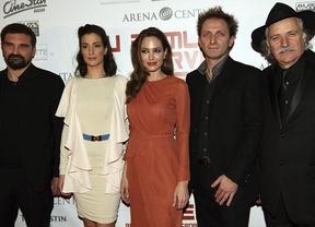 La película sobre la guerra de los Balcanes dirigida por Angelina Jolie no consigue espectadores en Belgrado