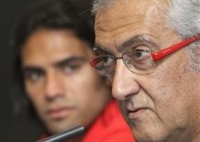 ¿Quién se juega hoy la continuidad en Europa, además de Manzano su cargo: el Atlético o 'el Pupas'?