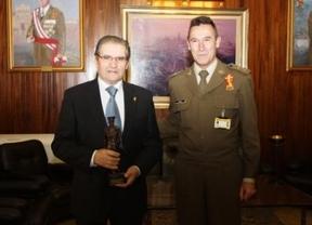 Gómez Mora, 'Alférez Cadete de Honor' en la Academia de Infantería