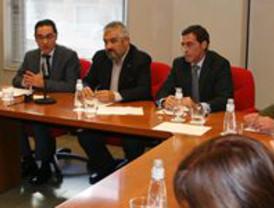 Méndez (UGT)  mete prisa para cerrar la reforma laboral antes de que acabe mayo