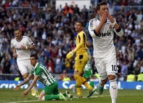 Un Madrid con pocos titulares derrota a un Betis muy peleón pero sin suerte (3-1)
