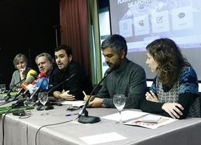 IU y Podemos hacen campaña a favor de Syriza, pero por separado
