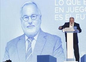 Cañete vende ahora sus acciones en petroleras para pasar el examen de comisario