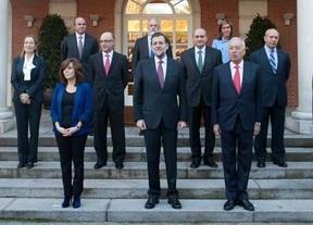 Rajoy no moverá 'fichas' del Gobierno o el PP para acallar a los críticos