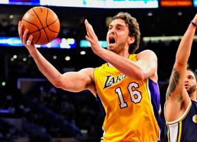 Pau Gasol y sus Lakers cumplen y 'apalizan' a los Nuggets en el primer partido de los play offs