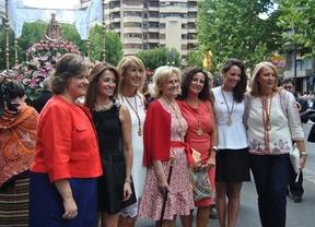 La alcaldesa de Albacete inaugura una feria que espera sea