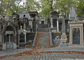 Cementerios llenos de vida para visitar en Halloween