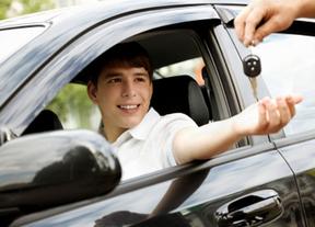 Un 44% de padres de conductores, a favor del control de velocidad y conducta de sus hijos al volante