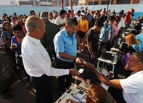 Elecciones en Venezuela: primer examen a Maduro tras las ajustadas presidenciales 'pos-Chávez'