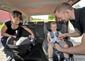Hertz subraya la relevancia de utilizar de forma correcta los dispositivos de retención infantil