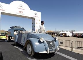 La concentración mundial del mítico Citroën 2CV batió el récord de participación