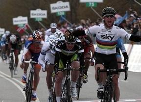 Cavendish se lleva la victoria al sprint y Phinney retiene la 'maglia rosa'