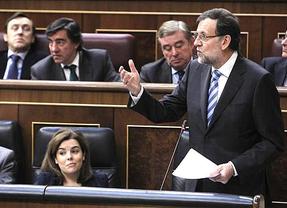 Rajoy anuncia que el déficit de 2012 fue del 6,7%, pero el PSOE le recuerda que el rescate bancario lo aumenta al 10%