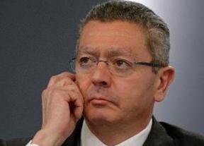 Gallardón se queda solo: la vicepresidenta del Gobierno ya no le apoya explícitamente en el tema del aborto