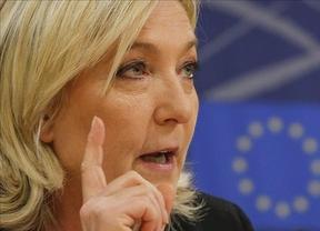 Los candidatos franceses miden fuerzas en las elecciones departamentales, en las que los sondeos otorgan una insólita victoria al partido ultraderechista de Le Pen