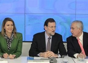 Acoso a Rajoy: cargos del PP presionan para tomar medidas internas y evitar el caos electoral tras los últimos escándalos