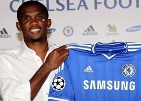 Eto'o da la sorpresa: ficha por el Chelsea de Mourinho
