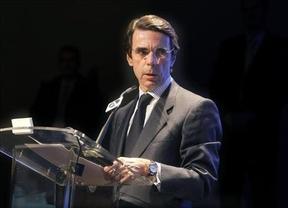 Aznar alza la voz contra