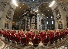 ¿Guerra de cardenales tras la primera fumata negra?: profunda división en la Iglesia católica