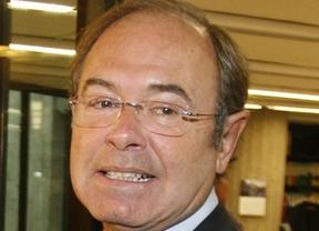 Pío García-Escudero desmiente el fin del mundo en medio de unos villancicos 'populares'