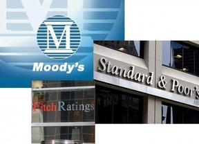 Fitch, Moody's y Standard & Poor's podrían pagar su nula previsión de la crisis y haber perjudicado a los países con sus calificaciones