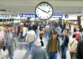 'Europeizando' el día: el Gobierno abre la puerta al regreso de España al huso horario de Londres