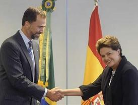 Dilma Rousseff celebró con el Príncipe Felipe su primera audiencia internacional como presidenta