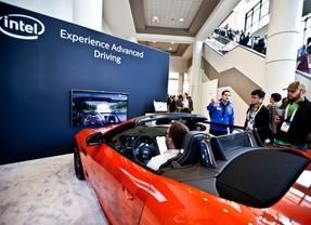 Jaguar Land Rover, Intel y Seeing Machines muestran una tecnología que revisa la atención del conductor