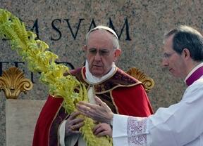 Francisco debuta en sus primeras celebraciones como Pontífce en Semana Santa