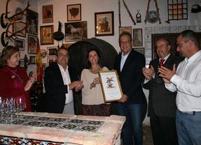 Manuel Juliá, socio de honor del Aula del Vino de Córdoba