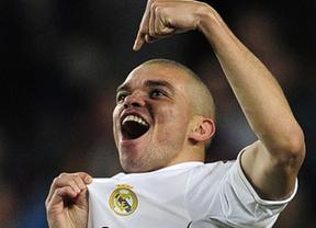 Pepe, más madridista que nunca, no hace caso a Mourinho y sí celebra el (virtual) título