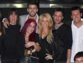 Piqué sólo habla de Shakira en Facebook y Twitter