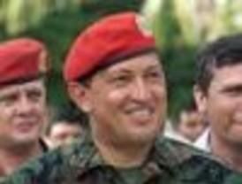 Chávez anunció la salida de Venezuela del FMI y del Banco Mundial
