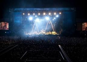 Los Arctic Monkeys levantan la moral de los 'fibers' y de la organización